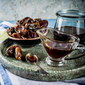 Datolya szirup: mennyei finomság elsősorban desszertekhez. Vásárold meg online a HeaveNuts.hu-n!