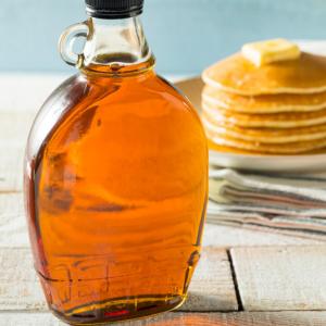 Juharszirup: az ízletes finomság Kanadából, amely nélkül a palacsinta elképzelhetetlen. Vásárold meg online a HeaveNuts.hu-n!