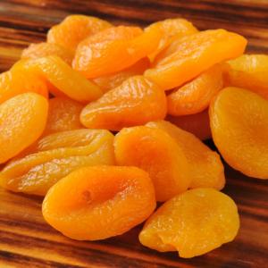 Aszalt sárgabarack: az illatos finomság, amellyel nem csak süteményeket ízesíthetünk. Vásárold meg online a HeaveNuts.hu-n!